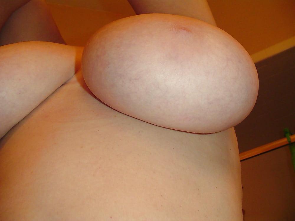 Titty E uit Noord-Holland,Nederland